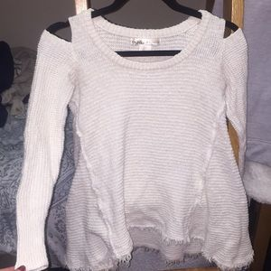 Sweaters - Cut out shoulder sweater